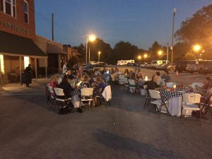 Outside Tables Saturday SupperSlowExposures 2015© Joe Hoyle